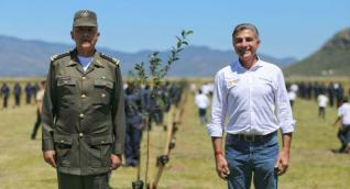 General Salvador Cienfuegos y Tony Gali
